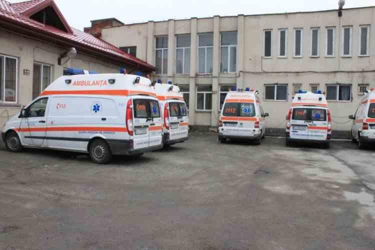 Medicii de la Ambulanţă au refuzat transportul echipei de epidemiologi la casa unui pacient suspect de coronavirus
