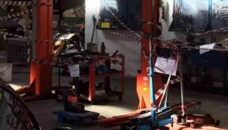 Tânără româncă scalpată într-un atelier auto din Italia