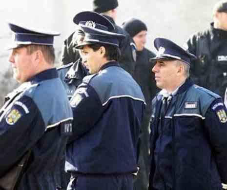 Poliţiştii protestează în faţa Ministerului Afacerilor Interne. Oamenii legii vor salarii mai mari