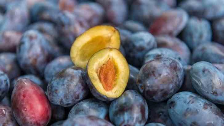 Prunele curăță ficatul, previn bolile de inimă și formarea cheagurilor de sânge