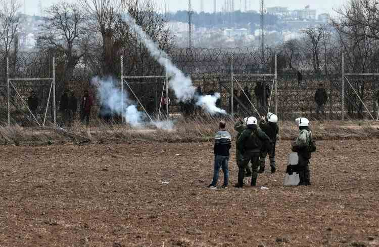 România sprijină Grecia cu resurse în confruntările cu migranţii de la graniţă