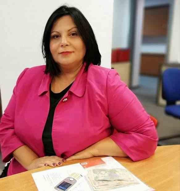 Dr. Ionica Popescu - Locuiește într-o garsonieră, dar a construit un spital cu bani împrumutați