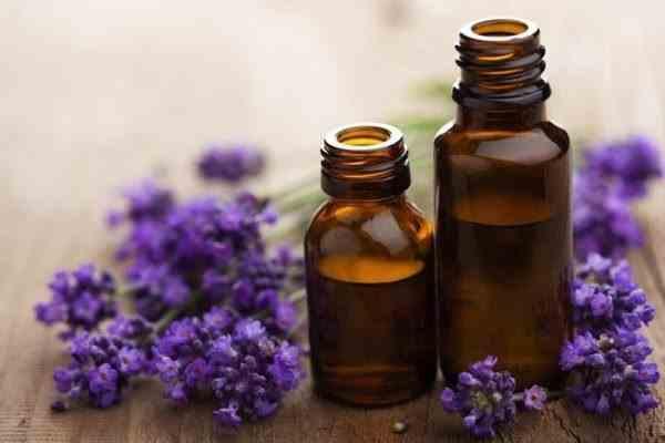 Ulei de lavandă – beneficii pentru sănătate si proprietăți