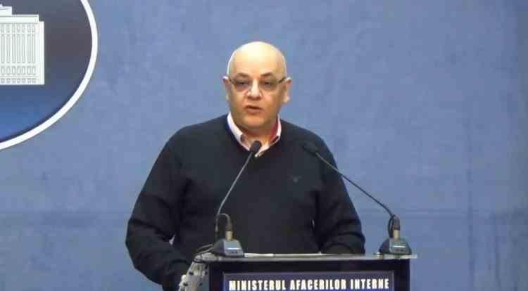 Autorităţile interzic activităţile publice şi private la care participă mai mult de o mie de oameni. Explicaţiile lui Raed Arafat