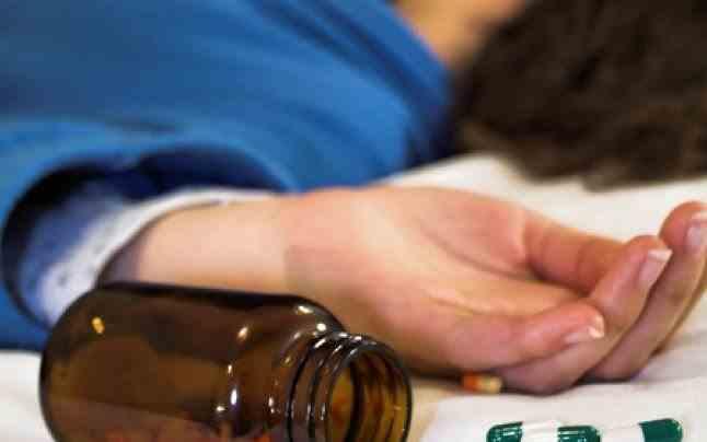 Sfaturile medicului - Dacă ai băut alcool, NU lua aceste pastile!