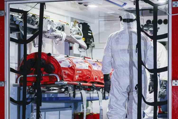 Al 32-lea caz de infectare, confirmat: Un bărbat de 38 de ani din Iaşi a adus virusul din Varşovia