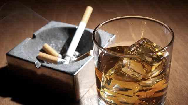 """""""Nu folosiţi în comun ţigări şi băuturi!"""" Avertismentul emis de Thailanda după ce 13 persoane s-au infectat cu coronavirus"""
