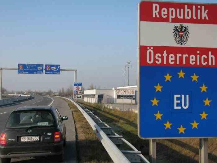 Peste 3.500 de români blocați la granița dintre Austria și Ungaria