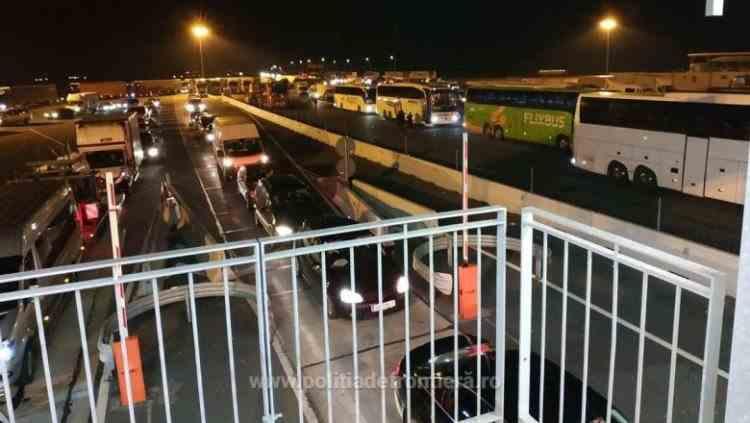Peste 12.000 de persoane din convoiul blocat în Austria au intrat în România prin PTF Nădlac II