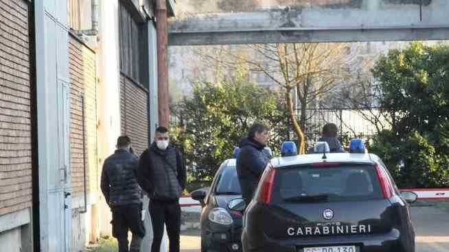 Un muncitor român din Italia a fost găsit mort la locul de muncă cu craniul fracturat