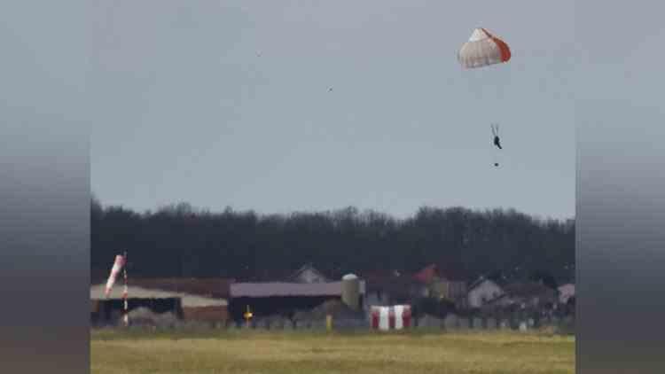 Un francez cu frică de zbor s-a catapultat din greșeală dintr-un supersonic