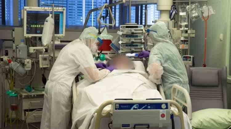 Un nou simptom asociat cu COVID-19: Unii pacienți sunt confuzi