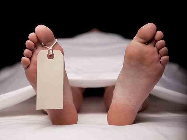 """Familie din judeţul Timiş: Stăm cu mortul de COVID în casă pentru că testul """"încă nu este gata"""""""