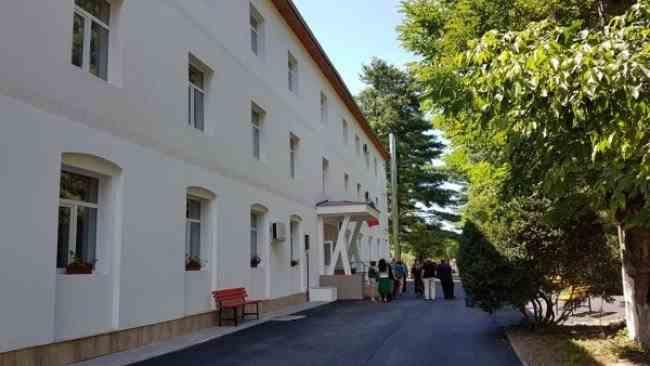 14 persoane au fost confirmate cu noul coronavirus la un Centru de Îngrijire a persoanelor cu dizabilităţi din Hunedoara