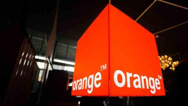Cum a câștigat Orange un contract cu statul român fără licitație