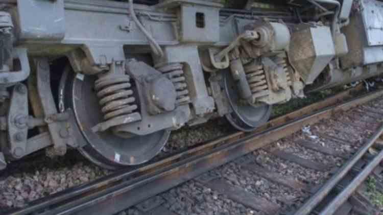 Un tren de călători care circula între Bistrița și Cluj a deraiat