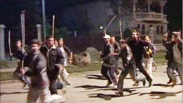 Un bărbat a fost ucis în urma unei bătăi cu topoare în Dâmboviţa