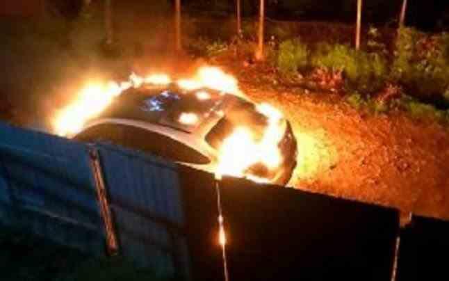 Maşina Loredanei Chivu a fost incendiată de o femeie care a confundat-o cu amanta soţului ei