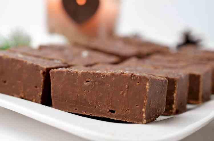 Ciocolată din 4 ingrediente