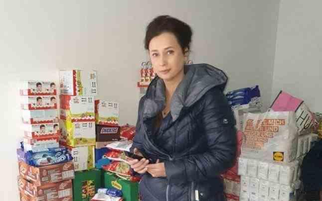 """Vânzătoarea de la fast-food care îşi dă tot salariul pentru fapte umanitare. """"E un pact încheiat cu soţul meu după accidentul fiicei"""""""