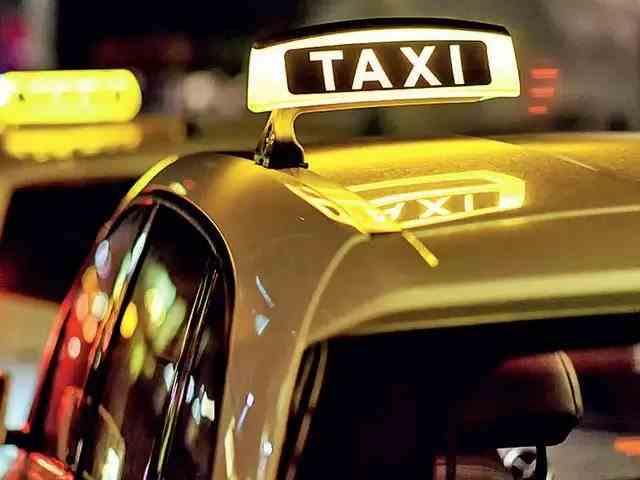 Ce reguli trebuie respectate la călătoria cu taxiul: Pasagerii se vor așeza doar pe locurile din spate