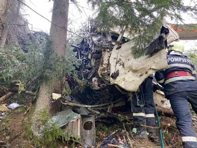 Șoferul unei cisterne cu lapte a murit după ce autovehiculul s-a răsturnat în Pasul Tihuța