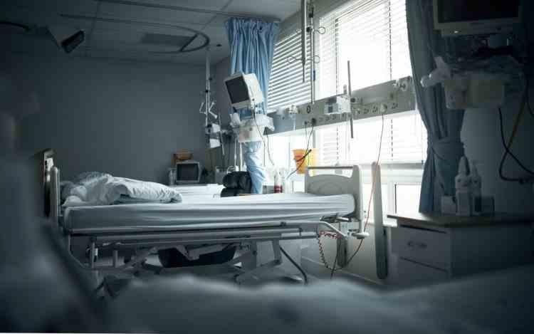 O asistentă medicală și bebelușul ei au murit la Spitalul Județean din Craiova