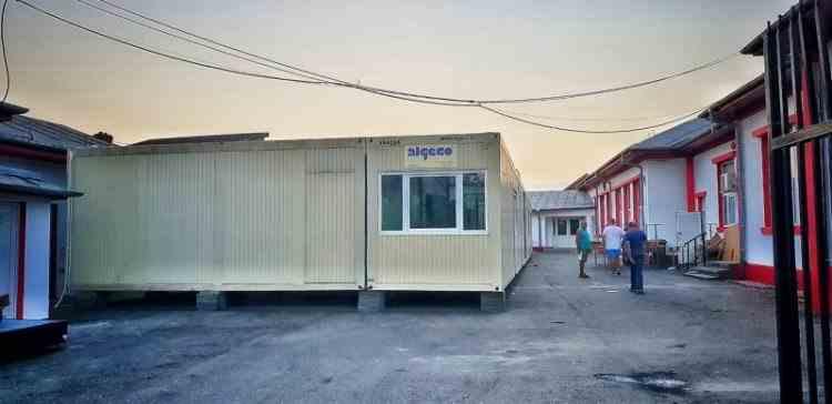 Monica Anisie - Școală la container: Propunerea ministrului Educaţiei