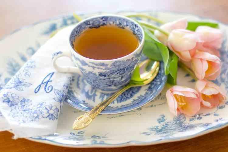 Detoxifiere naturală: minunile din ceaiul de pătlagină