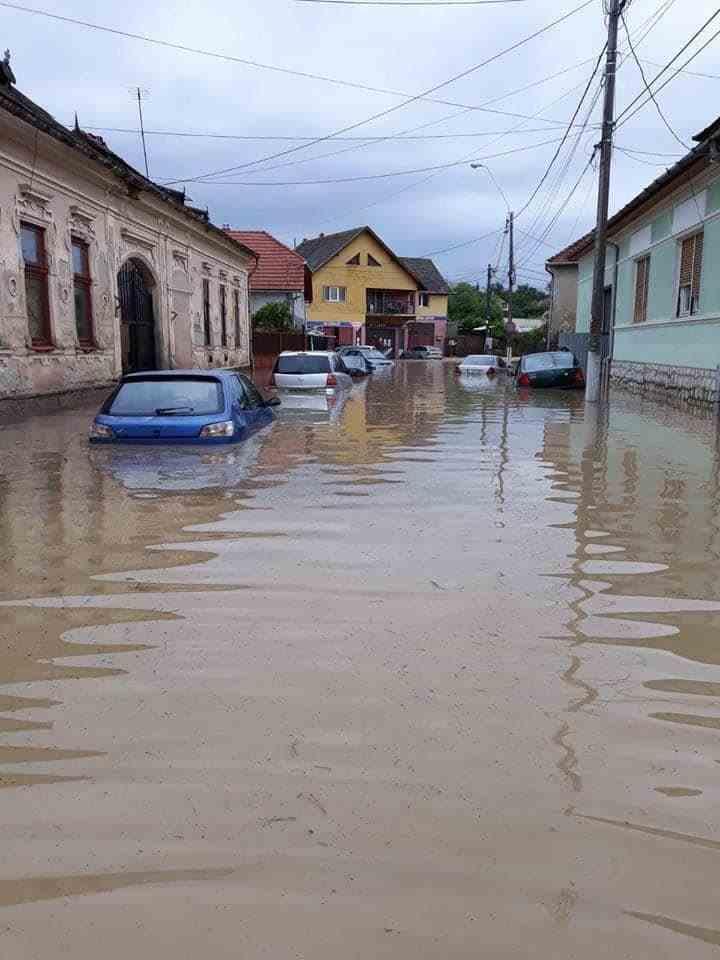 Cod roșu de inundații în Transilvania și Moldova