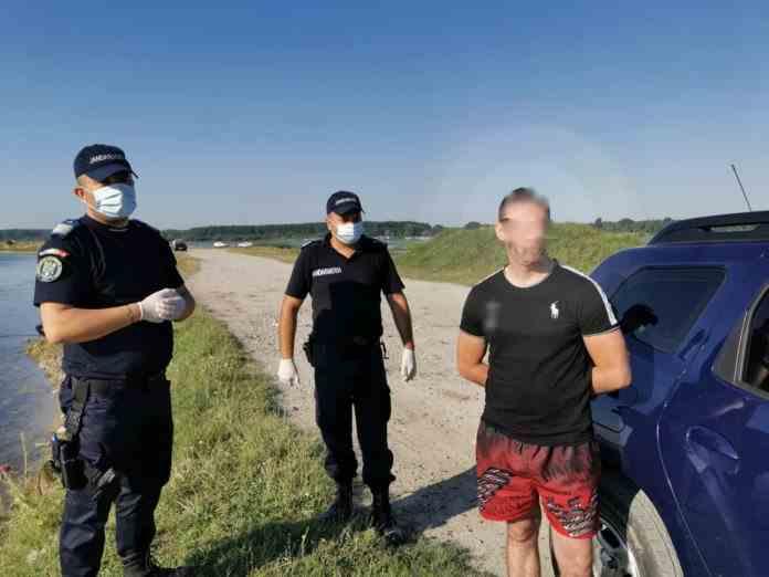 Un bărbat dat în urmărire europeană de șase ani, a fost găsit la pescuit de către jandarmi