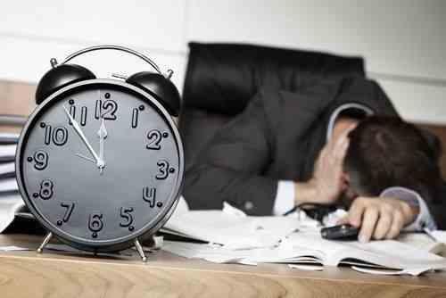 Amenzi pentru fiecare angajat care depășește numărul orelor suplimentare prevăzute de lege
