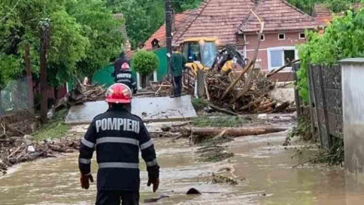 COD PORTOCALIU de inundații în două județe