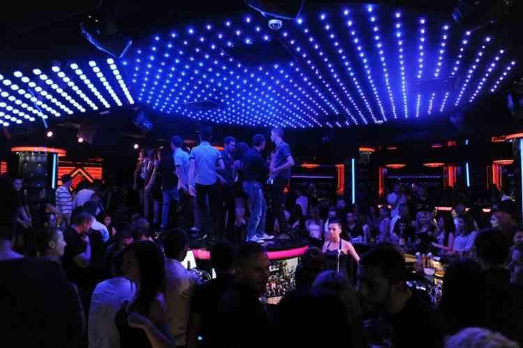 Se redeschid cluburile de noapte şi barurile în Bulgaria
