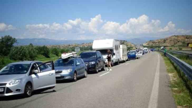 Românii care pleacă în vacanță în Grecia, aleg să-și facă testul Covid-19 în Bulgaria