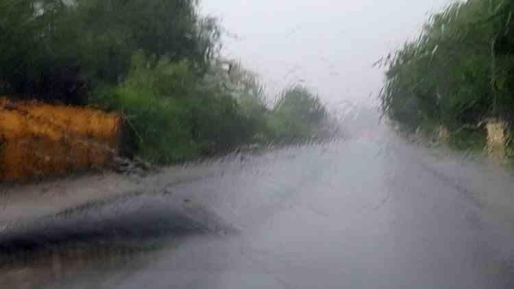 Cod portocaliu de ploi torențiale și instabilitate atmosferică, valabil pentru aproape toată țara