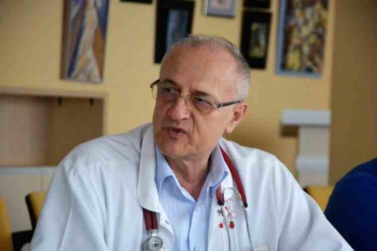 Un medic care era să moară de COVID-19 explică fazele bolii