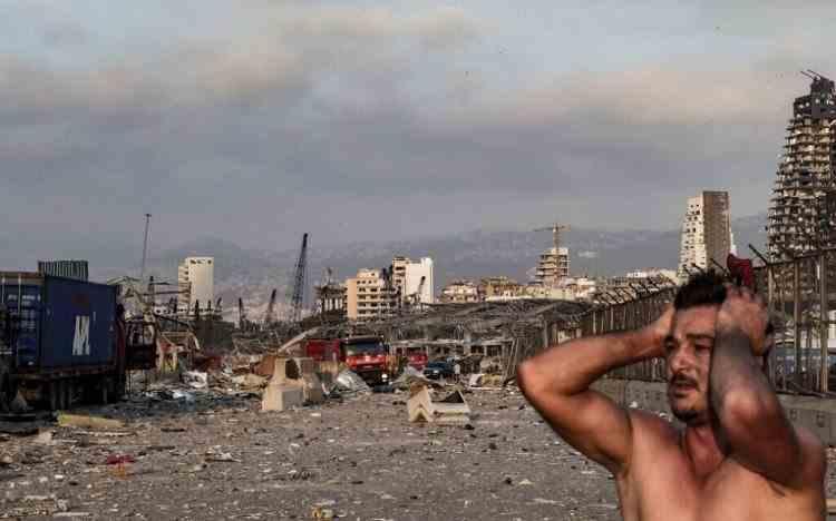 Imagini răvăşitoare de pe străzile din Beirut - Oameni plini de sânge şi totul distrus în jur