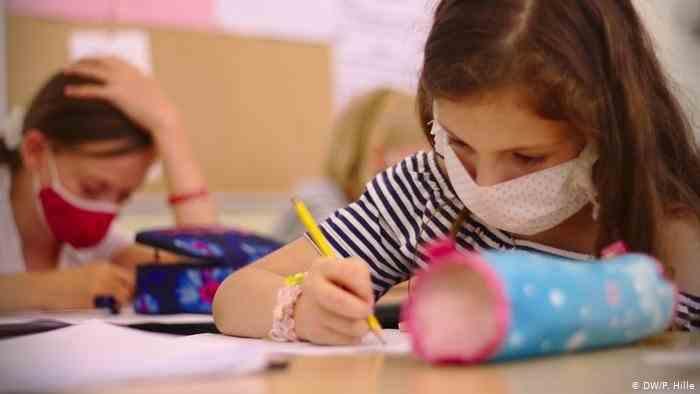 Au fost publicate normele sanitare concepute de Ministerul Sănătății pentru reînceperea școlilor