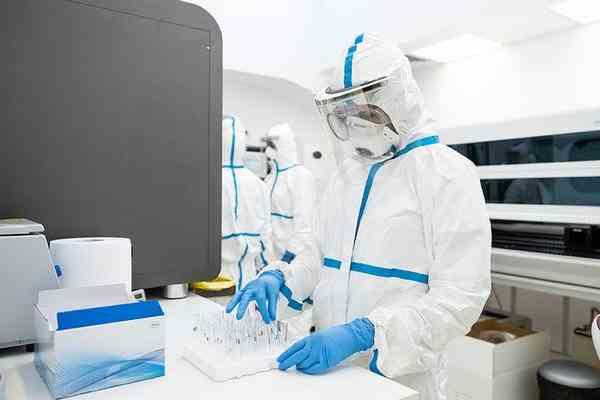 Medici: Coronavirusul NU dispare din corp - Sute de pacienți sunt retestați pozitiv