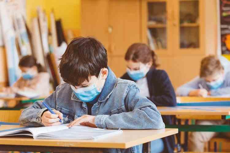 Consiliul Naţional al Elevilor - Prima reacţie după ce au fost prezentate măsurile pentru începerea anului şcolar