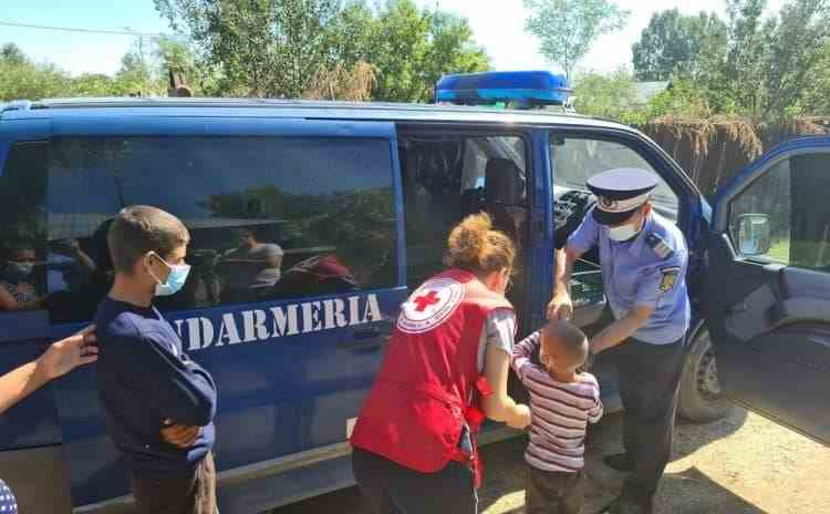 Jandarmii din Teleorman s-au mobilizat pentru copiii abandonați de părinți