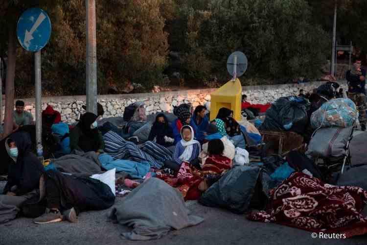 Grecia reconstruiește în cinci zile tabăra de refugiați distrusă de incendiu