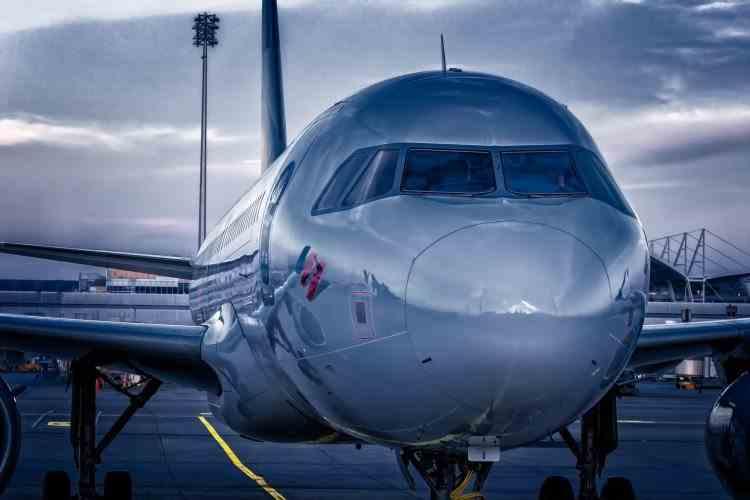 Începând de astăzi se reiau cursele aeriene pe ruta România - Polonia