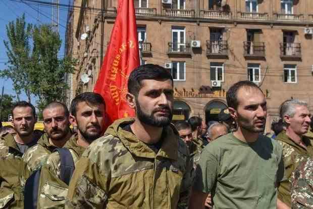 Conflictul militar care mocnește între Armenia și Azerbaidjan de 40 de ani riscă să declanșeze un război