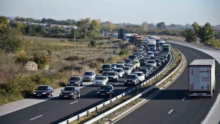 Avertizare de călătorie la granița Turciei cu Bulgaria - Timpul de așteptare poate fi și de 72 de ore