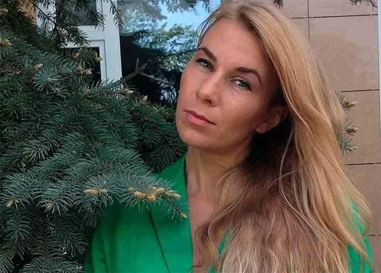 Ecologistă moartă după ce a fost înțepată de o viespe ascunsă în cutia de suc