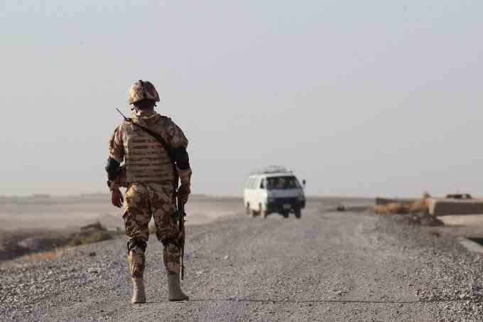 Doi militari români au fost răniți în timpul unei misiuni de patrulare în Afganistan