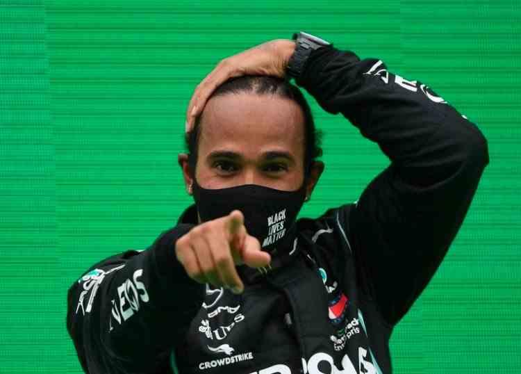 Lewis Hamilton a depășit recordul lui Schumacher în Formula 1 obținând victoria cu numărul 92