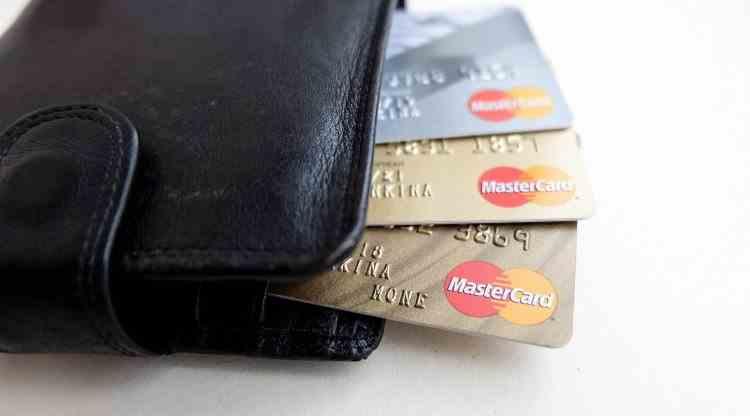 Un bărbat din Reghin a fost arestat pentru clonare de carduri